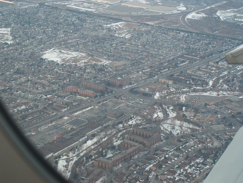 Торонто с высоты полёта аэробуса. 19 Марта 2005 г.