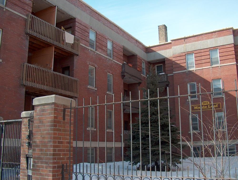 Фотографии Виннипега. Здания с квартирами на съём. Сливай воду, туши свет.
