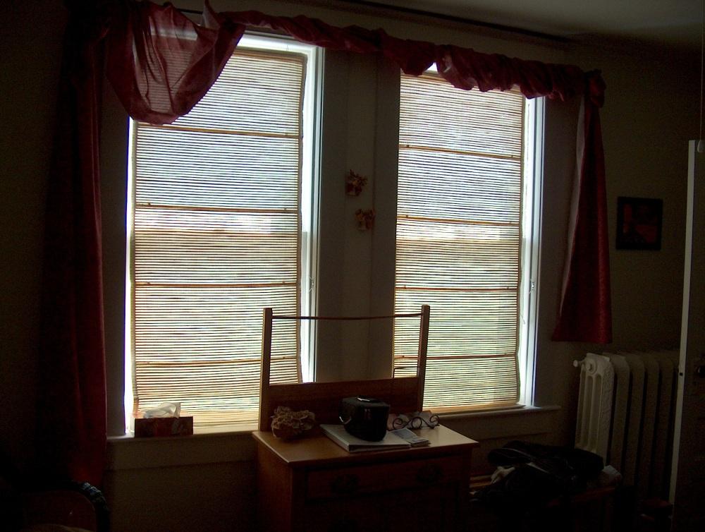 Фотографии Виннипега. Окна гостиницы смотрят на Дорчестер авеню.
