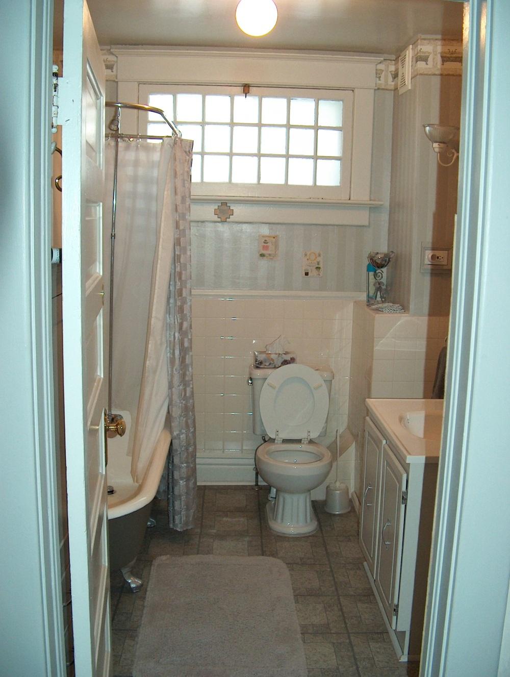 """Фотографии Виннипега. Гостевая ванная комната. Домашняя гостиница. """"Дикая Роза"""""""