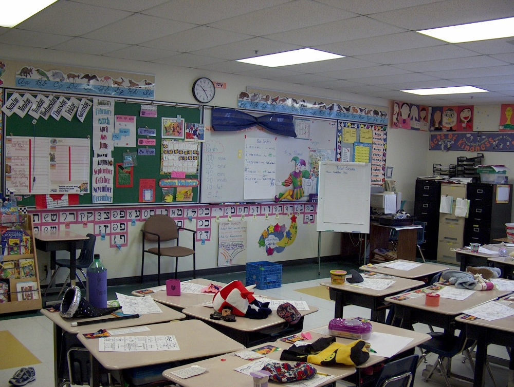 Фотографии Виннипега. Gray Academy. Школьный коридор. Здесь занимаются первоклашки.