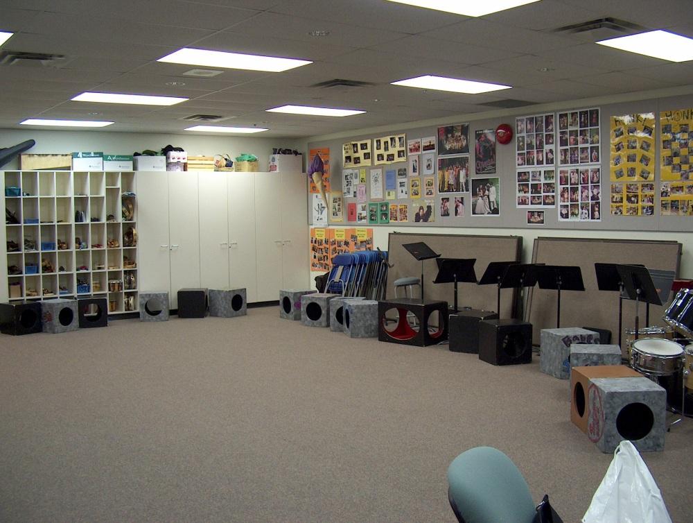 Фотографии Виннипега. Gray Academy. Музыкальная студия.