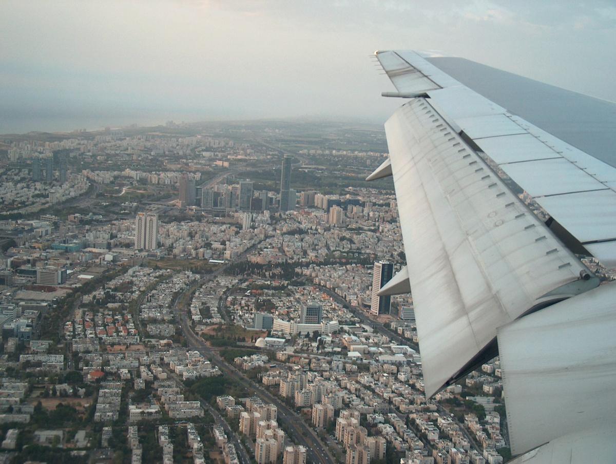 Тель Авив, заходим.